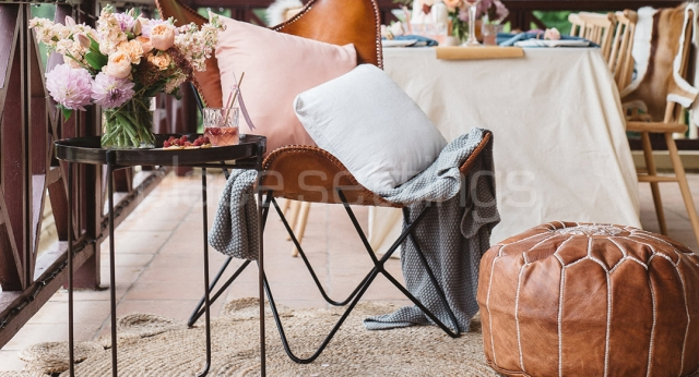 Features: Phoenix Butterfly Chair, Side Table & Pouffee